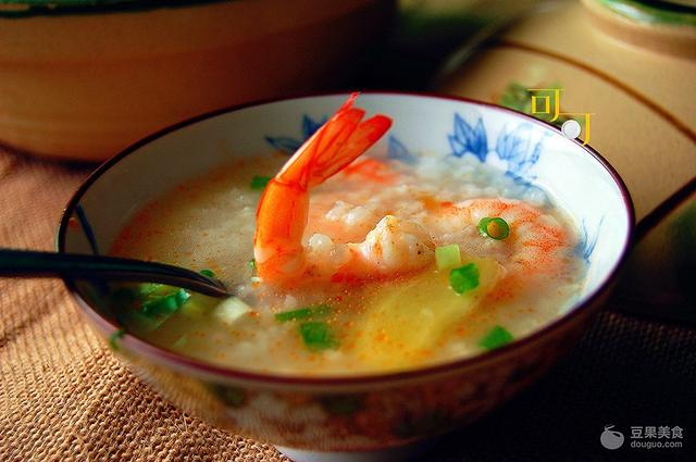 虾仁粥的做法,鲜虾生滚粥的做法