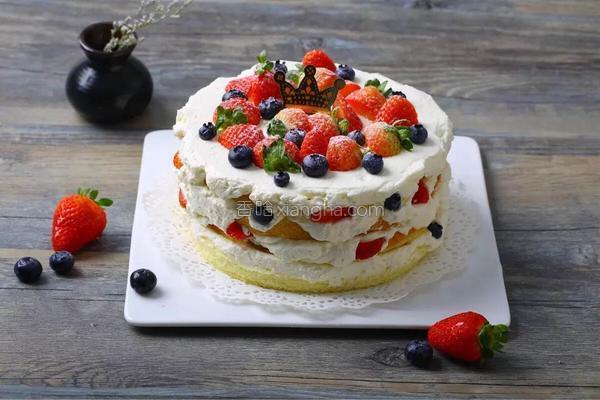 草莓的吃法大全,又是一年草莓季,36款五星吃法等你来学!