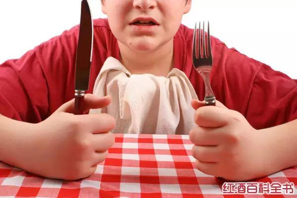 吃西餐刀叉怎么拿,福利 西餐中刀叉的摆放,原来有这么多种含义!