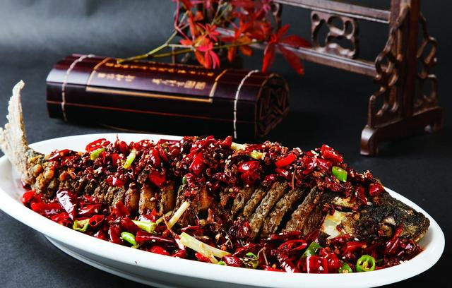 鱼的做法视频,望江鱼,很美的名字,这道菜真的让人一吃难忘!你快试试!