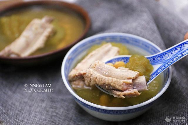 黄豆排骨汤的做法,【苦瓜黄豆排骨汤】清热解暑良方