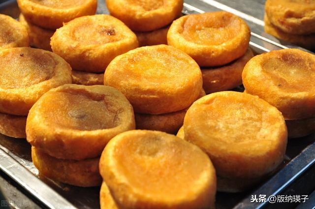 软柿子的吃法,柿子饼这么做,不用水不油炸,掌握技巧,柿饼软糯香甜,外酥里嫩