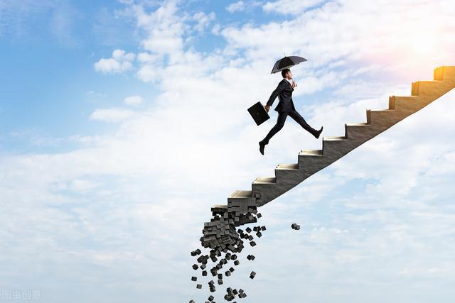 立体营销,下个10年想要赚钱,必须学会这3个打法:借力、裂变、共享