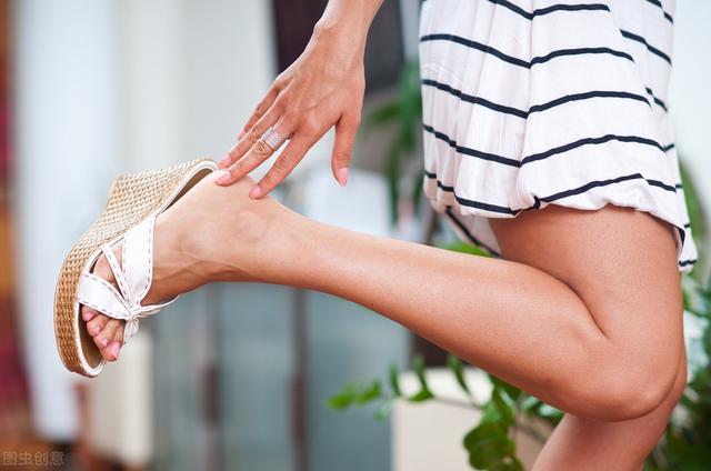 我的脚总是出现恼人的死皮,如何防止脚部死皮的产生?