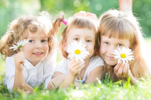 家长一段话,一位家长总结的8句话,每一句都对孩子的成长大有好处,赶紧学