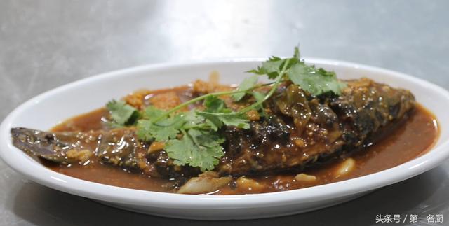 鲫鱼的做法,这才是鲫鱼最好吃的做法,营养美味,百吃不厌,学会你就是大厨