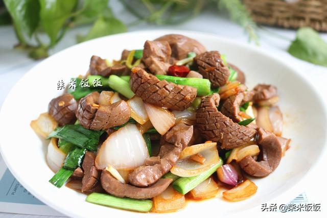 猪腰子的做法,猪腰子这样处理,没有腥骚味,加入这两种食材,更鲜香!