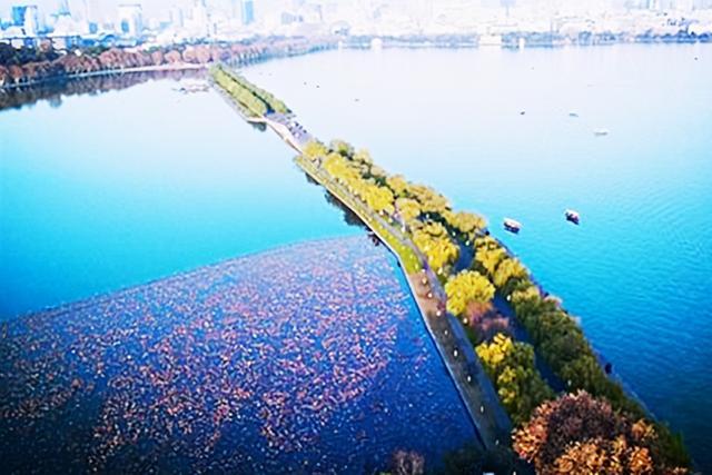 西湖的诗,苏轼雨后赏西湖美景,心情舒畅时写一首诗,将愉悦之情写到了极致