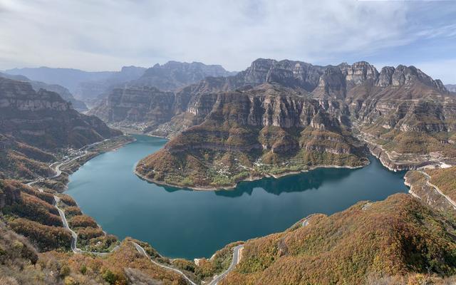 """太行大峡谷风景区,太行大峡谷有一个地方类似""""羊湖""""风景,对外免费开放"""