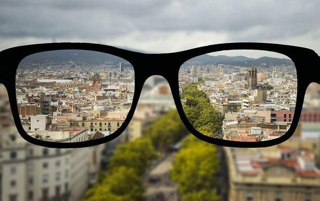 近视眼怎么恢复视力,近视眼怎么恢复?日常2个小方法,改善视力,简单有效