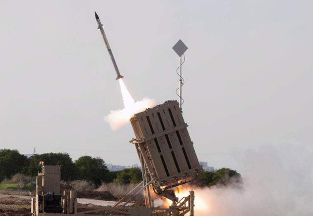 """大量火箭弹袭来,以色列""""铁穹""""紧急拦截,可能真吃不消饱和攻击 全球新闻风头榜 第3张"""