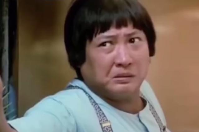 69岁洪金宝祖孙三代合照曝光,面色红润气色好,怀抱俩孙不费力 全球新闻风头榜 第4张