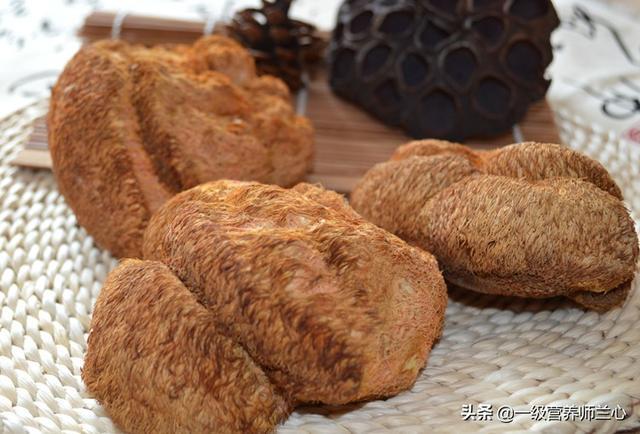 猴头菇的做法,冬天养胃有妙招,猴头菇制成3道菜,孩子说好吃,老公说暖胃