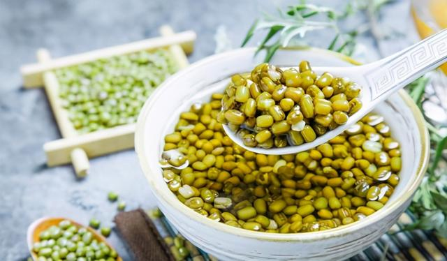 绿豆汤的做法,为啥你煮的绿豆汤发红?绿豆不开花?正确做法在这里,你不学吗?