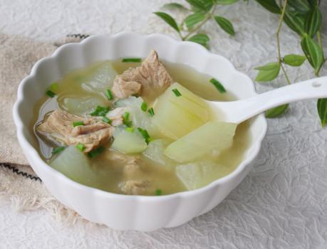 排骨汤怎么炖最好喝,炖排骨汤,第一步焯水是不对的,大厨教我正确做,汤鲜肉嫩不腥