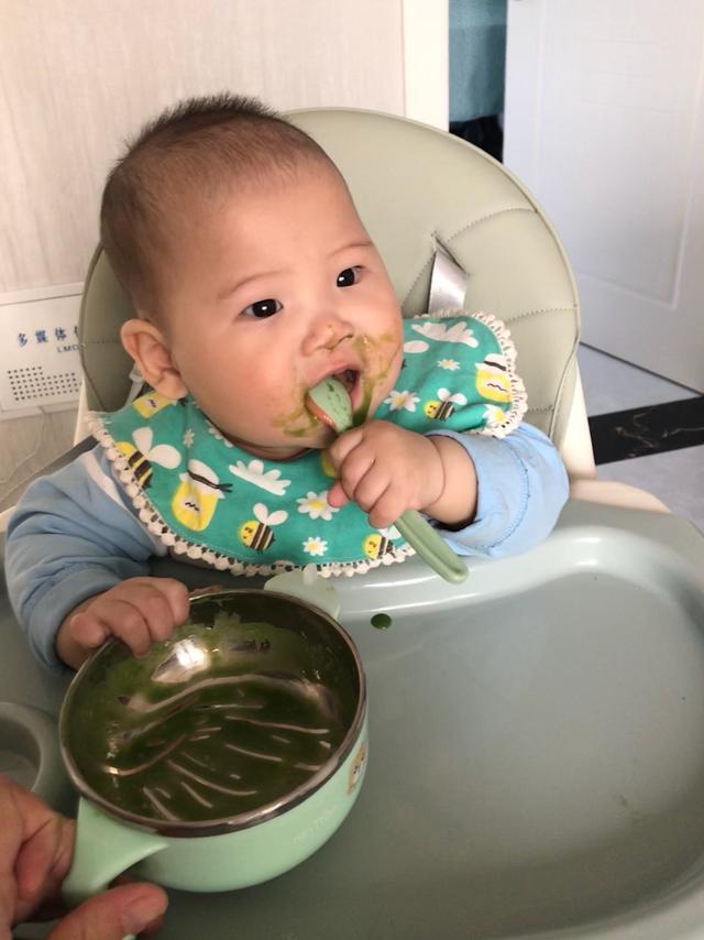 婴儿几个月可以添加辅食,新生儿什么时候可以加辅食?食材的添加顺序是什么?