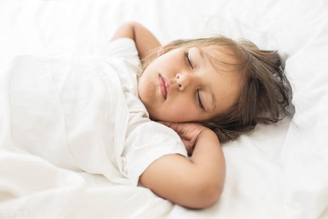 婴儿睡眠不好怎么办,宝宝的不良睡眠习惯该如何纠正?最简单的方法帮助你