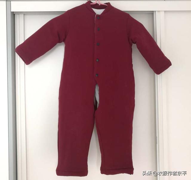 婴儿连体衣,一岁半宝宝连体棉衣,两用裆做法。用能机洗的宝宝棉做,太方便