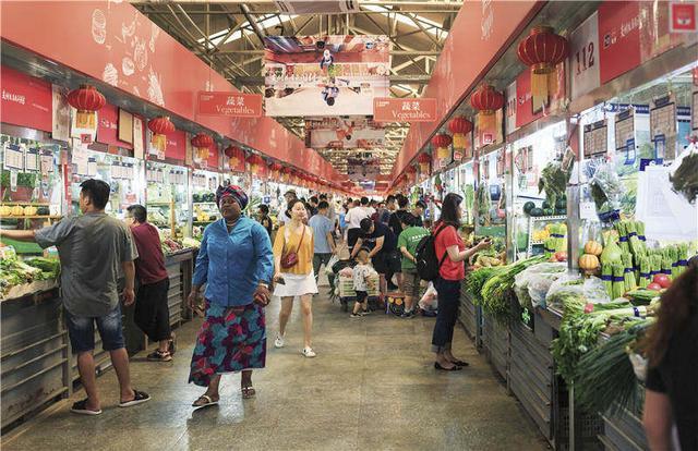 """美食爱好者,北京""""网红""""三源里菜市场,藏着多少大厨和美食爱好者的往事与回忆?"""