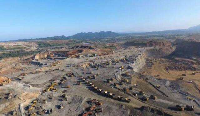 刚果布和华企签署铁矿石采矿权协议书