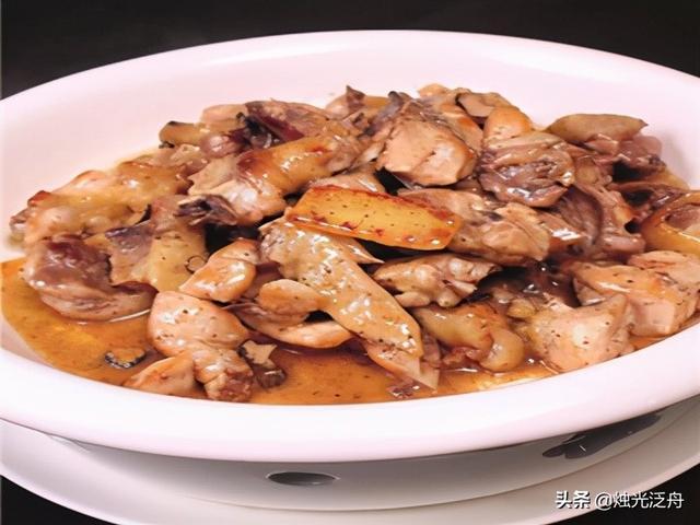 松露的吃法,美食推荐:黑松露焖道谷鸡、西兰花拌木耳、薄荷香焗骨制作方法