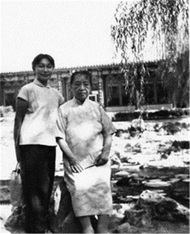 姓罗的名人,罗仪凤:遇上了风流的罗隆基,注定了这段恋情的悲剧