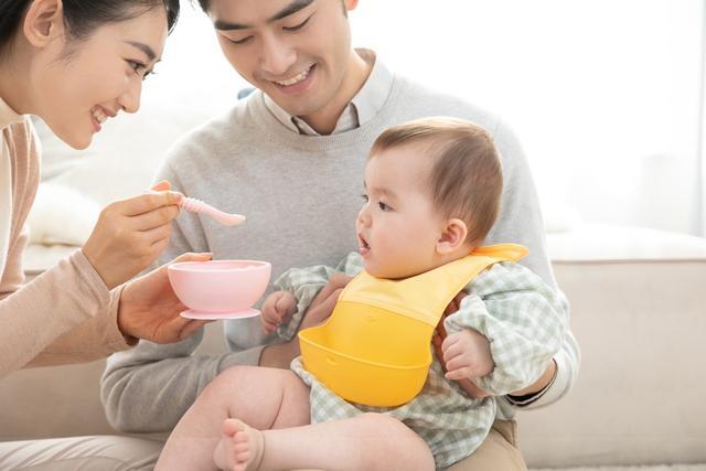 婴儿食品,宝宝添加辅食时,有十一种食物,不到相应月龄最好别出现在娃碗里