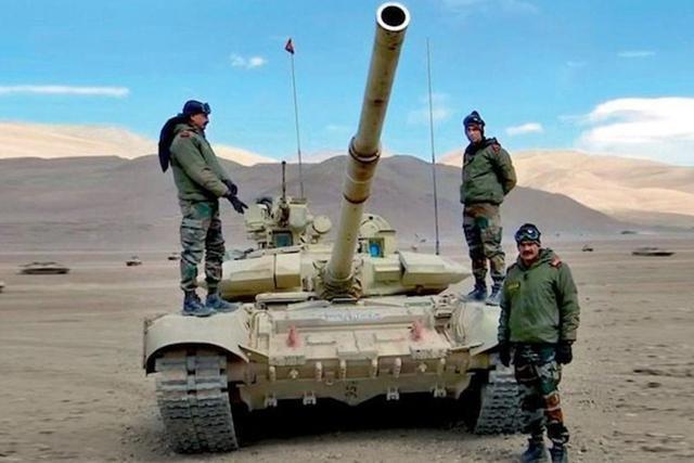 中印边境最新消息,中国援助印度疫情,印度却用钱买武器对付中国,边境局势突变