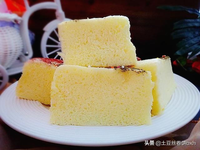 蒸蛋糕的家常做法,最简单的完美蒸蛋糕,几步就好,细腻润燥又解馋,吃一次忘不了