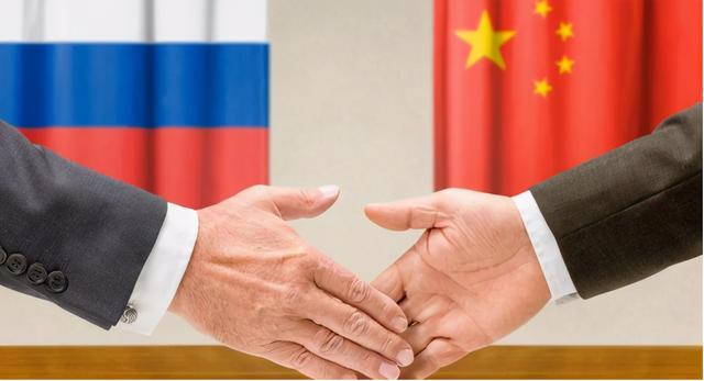 中国俄罗斯两国之间进出口总额提升1000亿美金