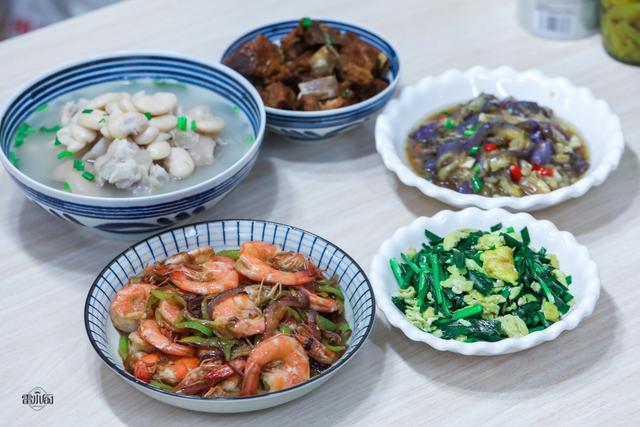 爸爸生日祝福语,周末陪老爸过生日,我做了5道家常菜,一家三代人都吃嗨了