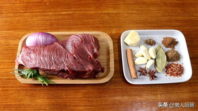 牛肉干的吃法,想吃牛肉干不用买,教你在家做手撕牛肉干,吃起来干香有嚼劲