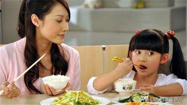 婴儿饮食,宝宝的一日三餐吃对了吗?儿科医生告诉科学饮食