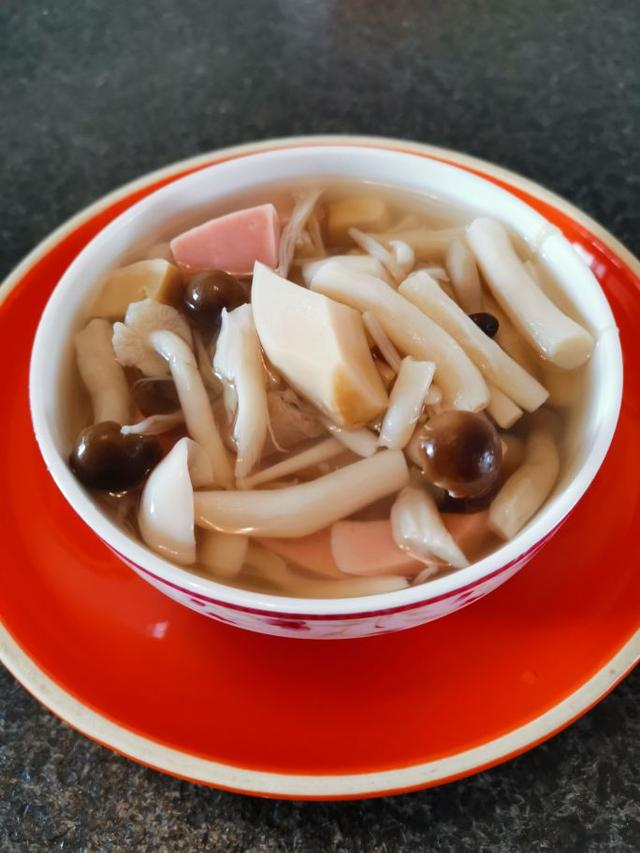 怎么做菌,菌菇汤这样做,汤鲜味美,做法又超级简单