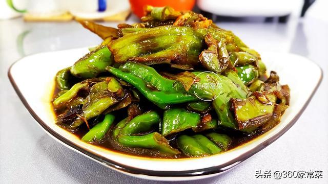 虎皮尖椒的做法,虎皮青椒的家常做法,简单美味又下饭,一盘上桌就抢光