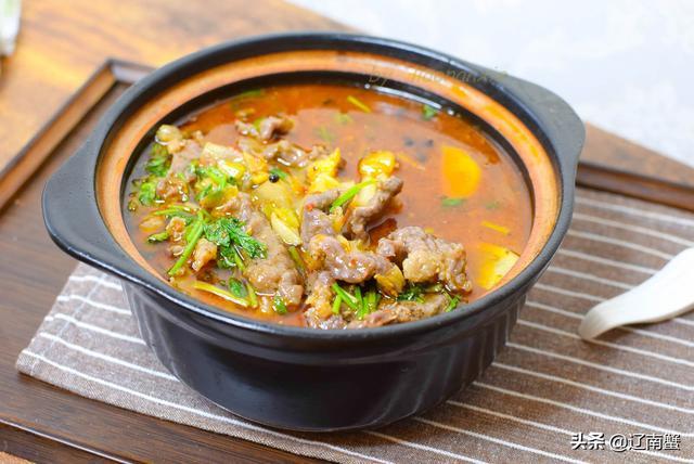 水煮螃蟹的做法,春节在家宴客,15分钟做一盆水煮牛肉,麻辣鲜香大家都爱