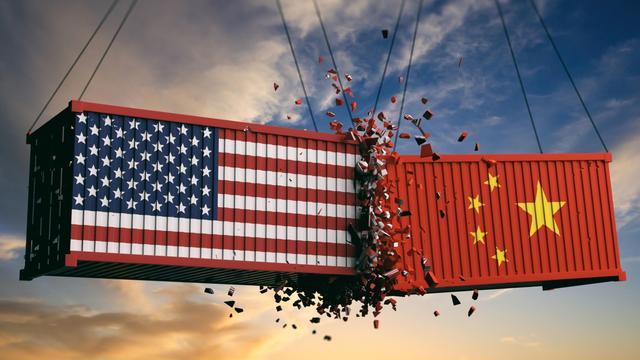 中国经济发展啥时候超过英国?