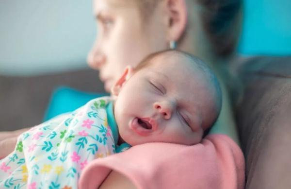 """婴儿打呼噜,宝宝""""打呼噜""""就一定是生病?医生都听不下去了……"""