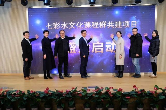 上海出版印刷高等专科学校,如何用好高校资源?杨浦这所学校找到了好办法