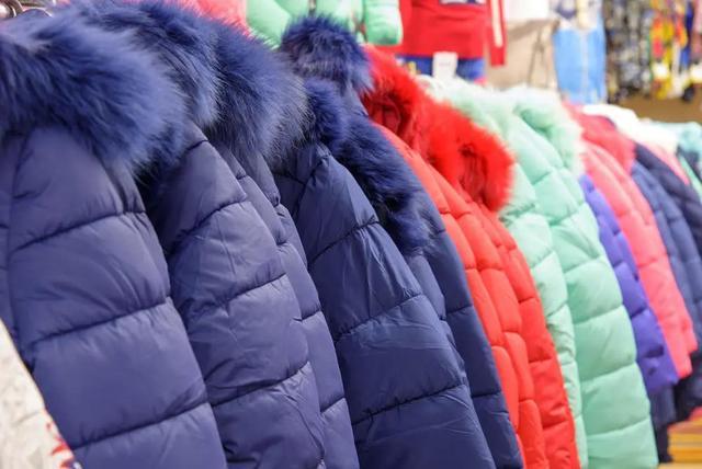 羽绒服有哪些品牌,这几个牌子的羽绒服质量不合格!别买了