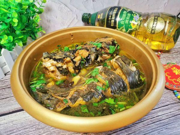 炖鱼的家常做法,#新春美味菜肴#连年有余 超简单美味家常炖鱼