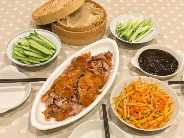 鸭饼的吃法,北京烤鸭及鸭饼(烤箱版)