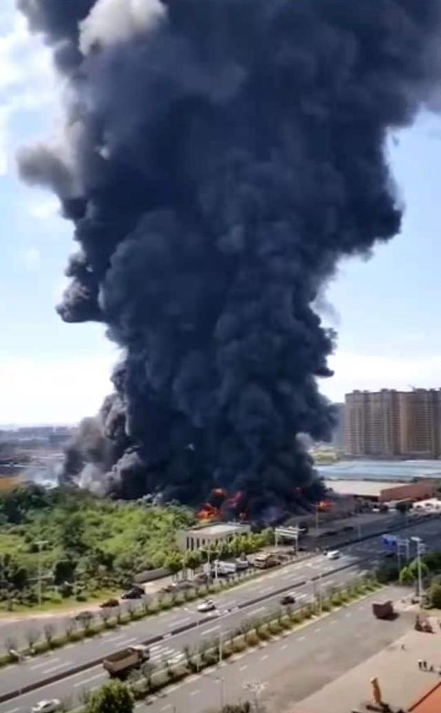 湖南长沙一仓储物流公司仓库起火:火势已控制,无人员伤亡 全球新闻风头榜 第1张