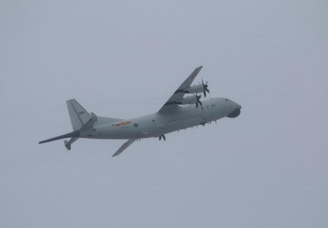 台防务部门紧盯:解放军一架运-8反潜机今日进入台湾西南空域