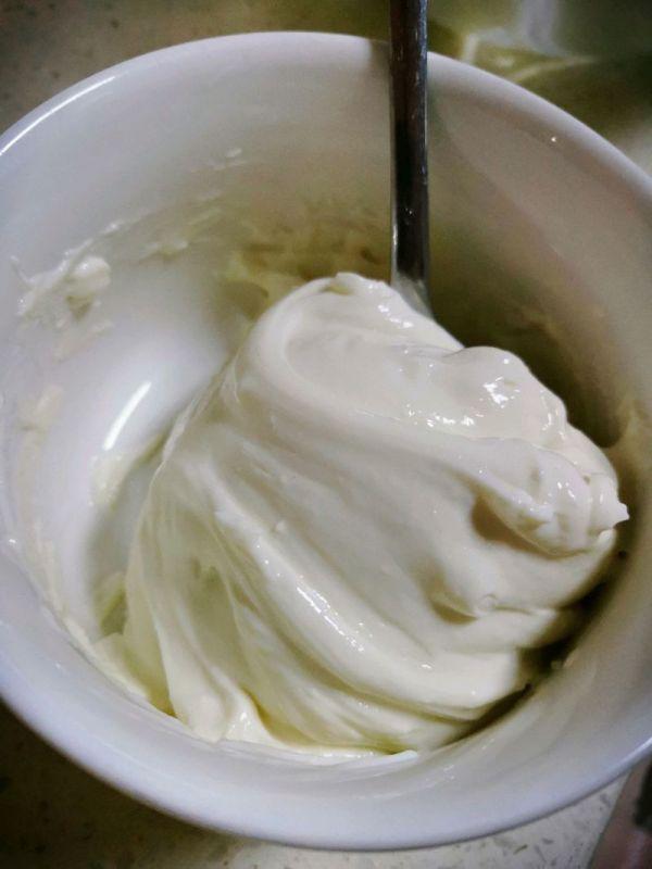 奶酪的做法,这道家喻户晓的自制丝滑奶油奶酪是怎么做的呢?