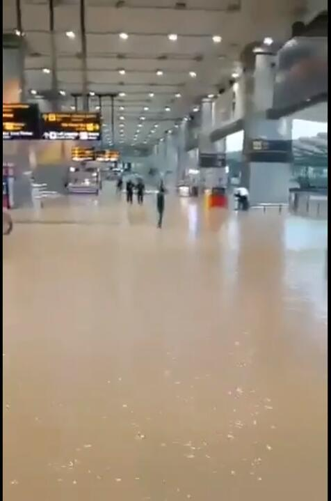 """""""超1000毫米""""!印度首都发生强降雨,新德里一国际机场被淹 全球新闻风头榜 第3张"""