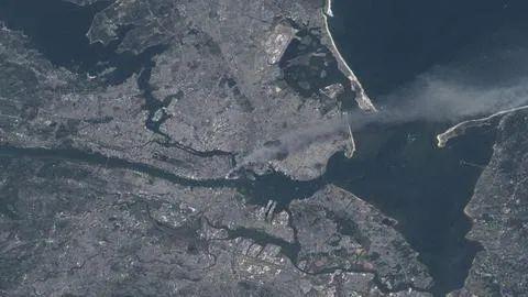 """""""9·11""""事件罕见卫星图像公布 全球新闻风头榜 第1张"""