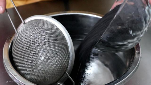 芝麻糊的做法,自制香浓的黑芝麻糊,材料和做法简单,不用担心不会做了