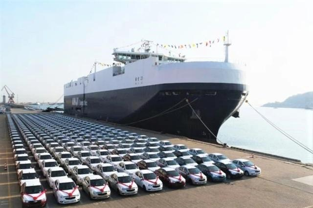 2021年中国汽车公司出入口99.五万辆,同比减少2