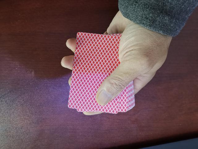 魔术教学:魔术二张进阶教程,斜推二张训练技巧
